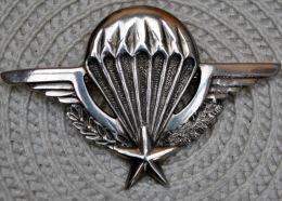 Tres Rare Brevet Parachutiste En Argent Fabrication Locale Indochine - Badges & Ribbons