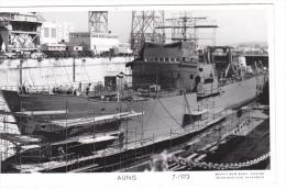 Batiment Militaire Marine Nationale Aunis Transport  7-1973  En Cale  Marius  Bar Equipage A 643 - Guerre