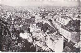 63. Pf. ROYAT. Vue Générale Sur Le Parc Et L'Etablissement, Les Grands Hôtels Et Clermont-Ferrand. 249 - Royat