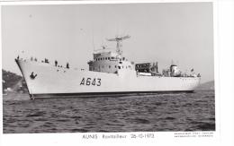 Batiment Militaire Aunis Marine Nationale A 643  Ravitailleur 26-10-1973 Proue Gauche Avec Equipage  Marius Bar - Unclassified