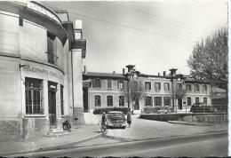 Cpsm Crepieux Le Pape Chateau Hotel Des Postes , Ecoles Publiques                                    TBE - Other Municipalities