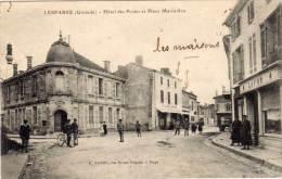LESPARRE - Hotel Des Postes Et Place Mercadieu    (60787) - France