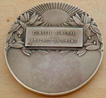 D3-1103 Médaille Sport Bronze Signée Fraisse ( Kayack ) - Religion & Esotérisme