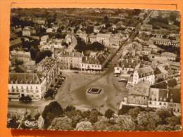 V09-39-jura-dole-vue Aerienne-la Place Grevy Et Les Hotels--carte Photo-beau Timbre - Dole