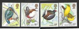 England MNH Birds 4 V. - Songbirds & Tree Dwellers