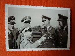 2. Soldatenfoto 2. Weltkrieg, Bitte Anschauen Orden, Abzeichen !! Größe Ca. 9,0 Cm X 6,0 Cm ! - 1939-45