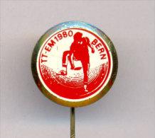 TABLE TENNIS -  EUROPEAN CHAMPIONSHIP - BERN 1980 , Nice Gold Plated Pin. - Table Tennis