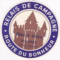 FRANCE TALLOIRES ABBAYE DE TALLOIRES RELAIS DE CAMPAGNE VINTAGE LUGGAGE LABEL - Hotel Labels