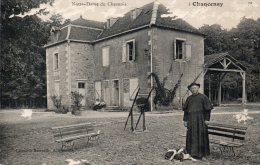 - CPA  - 52 - CHANCENAY - Mr. Le Curé Devant Notre-Dame Du Chesnois - Quelques Petites éraflures Sur La Carte - 424 - France