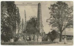(39) 013, Dole, Edition De La Ménagère 22, Monument Des Combattants, Non Voyagée, Bon état - Dole