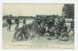 COURTENAY - Les Grandes Manoeuvres 1911 - Le Rendez Vous Des Cyclistes - Route De Chuelles - Courtenay