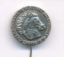 EQUESTRIAN , CHAMPIONNATS EQUESTRES BALKANIQUES - ZAGREB 1978, RARE  Pin Badge - Badges