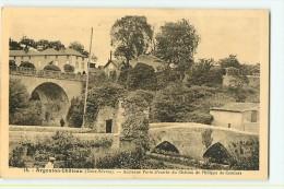 Argenton Château : Ancienne Porte D'entrée Du Château De Philippe De Comines. 2 Scans. Edition Jehly Poupin - Argenton Chateau