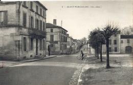 CPA Saint-Porchaire - Rue Du Centre-ville - Cycliste - France