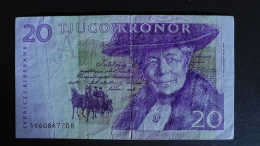 Sweden - 20 Kronor - 1997-2002 - P 63a - F (small Tear) - Look Scan - Sweden