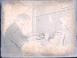 Fotoplatte - Mann Am Schreibtisch              Ca. 1930 - Glasdias