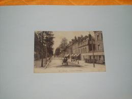 CARTE POSTALE CIRCULEE DATE 1932. /  70. SEDAN.- L'AVENUE PHILIPOTEAUX / PHOTOTYPIE MARQUAND. CACHETS + TIMBRE. - Sedan