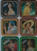 COCA COLA - 6 SOTTOBICCHIERI  IN  METALLO  CON  SCATOLA -ORIGINALI -50° 1927- 77 - Coca-Cola
