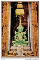 THAILANDE - SIAM - BANGKOK , WAT PHRA KEO - CPM - 136 - BOUDDHA D'EMERAUDE AU PALAIS ROYAL - éditeur PHATANA LTD ? - Thaïlande