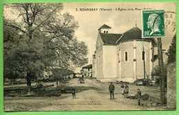 86 BENASSAY - L'église Et La Place - Other Municipalities