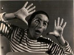 Photo Anonyme - Spectacle De  Mime ??  - Marinière  - Clown  - Années 40/50 -  175 X 125  Mm - Personnes Anonymes
