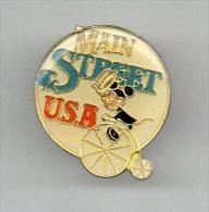 PINS PIN'S DISNEY MICKEY MAIN STREET USA VELO   2,5 CMS - Disney
