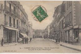 CPA 65 TARBES Rue Des Grands Fossés Commerces Animation  1908 - Tarbes