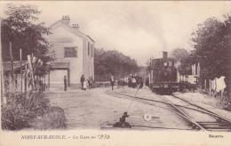 CPA - 77 - NOISY-sur-ECOLE - La Gare En 1938 Train Ou Tramway Beau Plan Bel état Publicité PneuS DUNLOP - Frankrijk