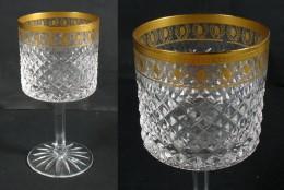 Superbe Verre à Pied En Cristal Moulé Et Doré D'époque XIXè - Glass & Crystal