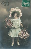 ENFANTS - LITTLE GIRL - MAEDCHEN -Jolie Carte Fantaisie Rehaussée à La Main Portrait Fillette Avec Joli Chapeau & Fleurs - Portraits