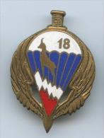 Insigne 18° Régiment De Chasseurs Parachutistes En Romainville - Armée De Terre