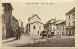 CPSM LA TOUR DU PIN (Isère) - Place De La Nation - La Tour-du-Pin