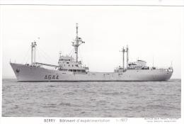 Bateau Marine Nationale Militaire A 644 Berry Batiment D Experimentation  1-1977  Profil Babord  Marius Bar Equipage - Guerre