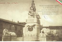 RAVENNA, MONUMENTO AI MARTIRI, B/N  N/V, CARTOLINA PATRIOTTICA, - Ravenna