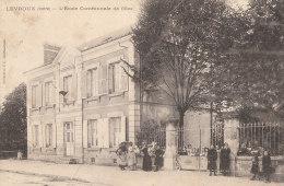 36 LEVROUX  Coin Du VILLAGE  ECOLE Communale FILLES  Enfants Devant L´ Entrée Et La Cour En 1905 - France
