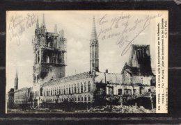 41587      Belgio,   Ypres -  Les    Halles  Apres Le   Bombardement Par  Les  Allemands,  NV(scritta) - Ieper