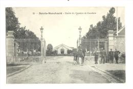 Cp, Militaria, Sainte-Menehould (51), Entrée Du Quartier De Cavalerie - Casernes