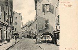 CPA  - ANNECY (74) - Aspect De La Rue Sainte-Claire,du Café De Crépy Et Des Arcades Des Deux Côtés -EN 1900- - Annecy