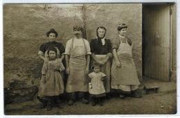 TASSIN: Plan Top Sur La Famille Navarra, Blanchisseurs. Carte Photo Identifiée Au Verso - Autres Communes
