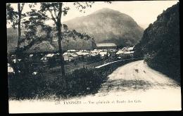 74 TANINGES / Vue Générale Et Route Des Gets / - Taninges