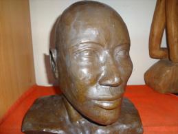 Sculpture En Terre - Signé Fatiha  Daté 03/03 - Sculptures