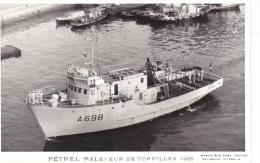 Bateau  Marine  Militaire France A 698 Petrel Releveur De Torpilles 1966  Marius Bar Equipage - Guerre