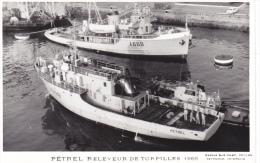 Bateau  Marine  Militaire France A 698 Petrel Releveur De Torpilles 1966 Poupe  Marius Bar Equipage - Guerre