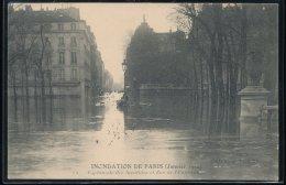 75 --- Paris - Inondation De Paris -- Janvier 1910 -- Esplanade Des Invalides Et Rue Del'Universite - Inondations De 1910