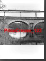 """23 Creuse - PHOTOGRAPHIE ORIGINALE - """" BUSSEAU Sur CREUSE - Son Site, Sa Vallée Et Son Viaduc """" - Lieux"""