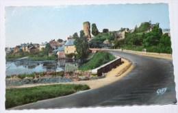 CHAMPTOCE - CPSM 49 - Route De Nantes Et Ruines Du Vieux Château De Gilles De Retz. Dit Barbe Bleue. - France