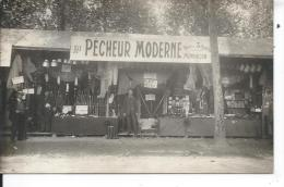 MONTLUCON - Stand  AU PÉCHEUR MODERNE - Place Des 3 Avard - CARTE PHOTO - Montlucon