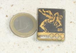 WRESTLING - Olympic Games 1980. Moscow * Large Pin * Badge Lutte Lotta Lucha Ringen Luta Anstecknadel Distintivo - Worstelen