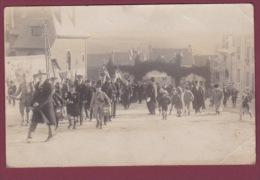 51 - 280913 - !! CARTE PHOTO !! - MARNE -  Commune VILLE... - Fête Inauguration? - France