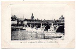 CP, 69, LYON,  Le Pont De La Guillotière Et Le Grand Hôtel-Dieu, Vierge - Lyon
